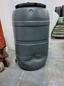 **STOCK CLEARANCE** B-STOCK - Black Standard Barrel Water Butt 210 Litre