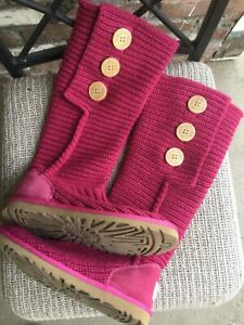 UGG Australia woman knitted pink boots S/N 5819 size 6 US/ 4.5 UK/ 37 EUR/ 23.0