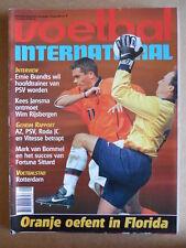 VOETBAL INTERNATIONAL 25-02-1998 Kacey Keller vs Phillip Cocu   [P65]