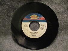"45 RPM 7"" Record Ringo Star Drumming Is My Madness & Wrack My Brain NB7-11-130"