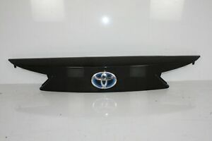 TOYOTA AURIS ESTATE TAILGATE BOOT LID CENTER COVER TRIM 2013 TO 2015