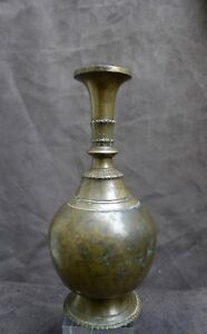 Antique and nice quality bronze vase, India, 18th. 19th. century