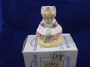 BESWICK BEATRIX POTTER ROYAL ALBERT THE OLD WOMAN WHO LIVED IN A SHOE KNITTING