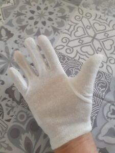 Paire de gants en tissus ( hygiène )