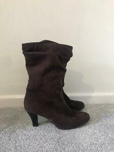 Clarks Brown Boots Size 5 Suede Calf Slouch Stiletto Heel Boots Leather