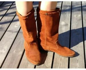 Minnetonka Camel Brown Suede Leather Moccasin Calf Length Boots Sz 6 Boho Hippy