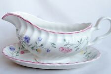 Johnson Brothers SUMMER CHINTZ gravy boat and Stand-Saucière et plaque