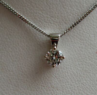 New 1/4CT Diamond Solitaire 18ct White Gold Pendant & Chain £290 Freepost