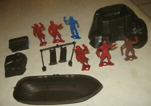 1960s MPC PIRATES PLAYSET BOAT WITH FIGURES TREASURE CHEST MORE