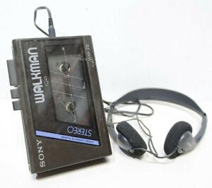 Sony Walkman WM-22 1980s Stereo Cassette Player + SONY Headphones - 232