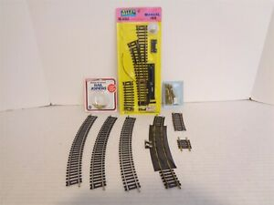 HO Scale Model Railroad Train Track 8 Piece Lot with Connectors