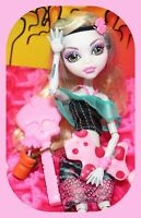 ❤️Monster High Lagoona Blue Skull Shores Doll & Beach Swim Outfit Shoes DRINK❤️
