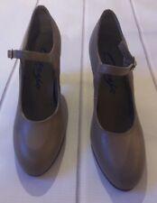 Capezio Tan Manhatan Dance Shoes Size 4.5M Style#653