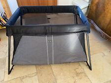 Babybjörn Reisebett in schwarz, sehr guter Zustand, mit Matratze & Spannbetttuch