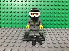 """LEGO Collectible Minifigure #71001 Series 10 """"PAINTBALL PLAYER"""" (Complete)"""