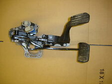 2013 LANDROVER FREELANDER 2 2.2 SD4 ACCELERATOR & BRAKE PEDAL ASSEMBLY 935