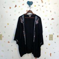 AEO American Eagle Medium Black Aztec Embroidered Open Front Kimono Sleeve Top