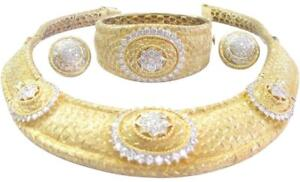 Rothschilds 18Kt Diamond Yellow Gold Jewelry Set Earring/Necklace/Bangle 15.51Ct