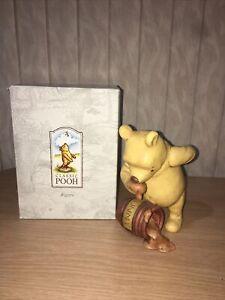 Charpénte Classic Winnie The Pooh w/ Honey Pot Figure 66610 IOB Disney DD
