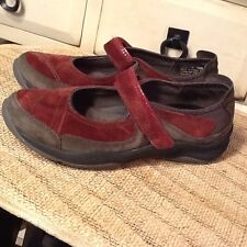 PRIVO BY CLARKS Women's Burgundy /Brown Nubuck leather Mary Jane Shoes 7 M