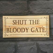 Cierra la puerta sangrientos signo, divertido y cierre la puerta placa de jardín de madera 192