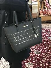 NWT,MICHAEL KORS JET SET TRAVEL MD CARRYALL LEATHER BLACK TOTE HANDBAG