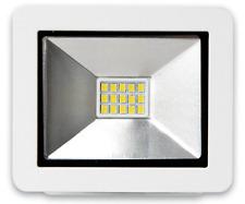 LED SMD Fluter 10W 700lm IP65 weiß kaltweiß 6500K 120° direkt an 230V