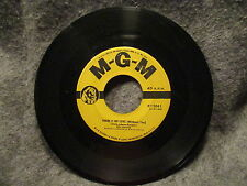 """45 RPM 7"""" Record Bill Gallus A Tree Full Of Owls & There Is No Love MGM K12041"""