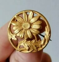 Antique Openwork Daisy Flower Edwardian Nouveau Gold Plated Round Pin Brooch