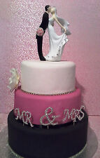 BRIDAL/WEDDING CAKE TOPPER/DECORATION - Kissing Bride & Groom