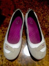 Privo by Clarks Beige White PurpleSuede Walking Ballet Flats 9M Great.