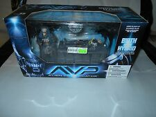 "McFARLANE  AVP ""ALIEN VS. PREDATOR"" BIRTH OF THE HYBRID DELUXE BOXED SET  NIB"