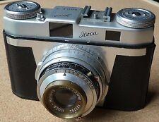 Iloca Quick B 35mm rangefinder camera. 1950's German old vintage