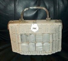 Absolutely Beautiful vintage 1940's/ 50's lucite purse !