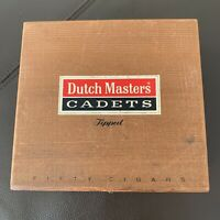VINTAGE DUTCH MASTERS CADETS HINGED WOODEN CIGAR BOX  NATURE MAN CAVE 50 TIPPED