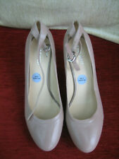 PAIR OF NINE WEST SHOES - SIZE 6