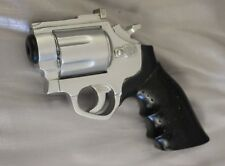 NEW BLACK & SILVER REVOLVER GUN GEAR SHIFT KNOB 75715 AB