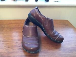 CLARKS COLLECTION BROWN LEATHER COMFY SHOES SIZE (6)(39)E....