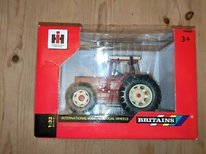 Britains International 956XL Dual Wheeled Tractor 1/32 Brand New