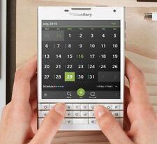 "BLACKBERRY PASSPORT Q30 3gb Ram 32gb Rom 4.5"" Screen curved edge 100-3 model"