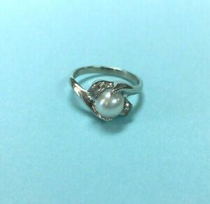 Ladies Genuine Twin Cultured Pearl Ring w/ White Sapphires - 10 Karat White Gold