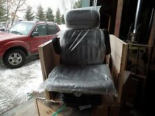 72276777 GRAMMER SEAT ASY, TRACTOR 6065 6085 6670 6680 6690 7600 7630 7650 8610