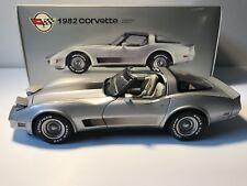 1:18 AutoArt Chevrolet Corvette (1982) Collector Edition Rarität neuwertig