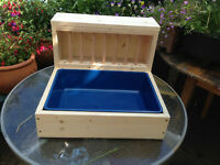 Rabbit Hay Feeder With Removable Tray