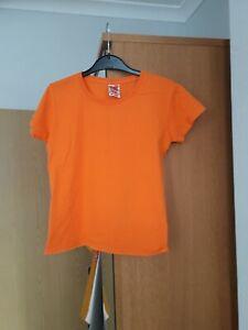 Girls Orange Fruit of the Loom short sleeved T Shirt , aged 9-11yrs. 100% cotton