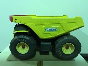 2006 Hasbro Tonka Metal & Plastic Yellow Tipper Truck No 11980