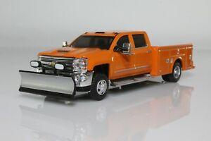 2018 Chevy Silverado 3500 Dually Pickup Truck w/ Snow Plow 1:64 Diecast Model
