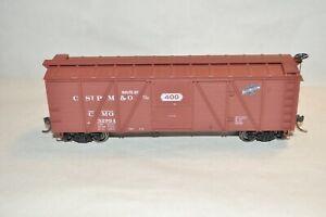 HO scale Accurail Chicago North Western Ry 40' wood braced 40' box car train