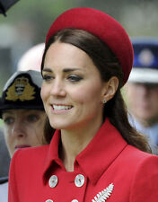 Catherine, Duchess of Cambridge UNSIGNED photo - H5886