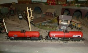 job lot of 2 tanker wagons '00' scale